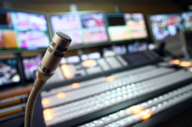 dabing-mixak-mikrofon